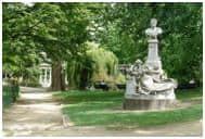 Monceau Park in Paris
