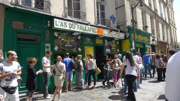 Falafel at rosier street in the Marais - Paris