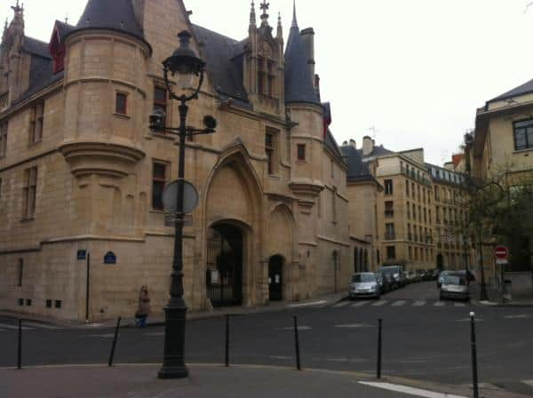 Marais neighborhood in paris attractions things to do for Hotel marais paris