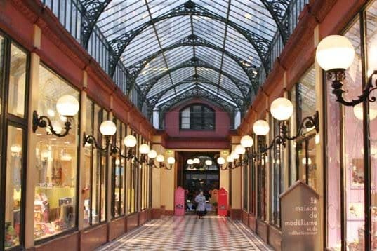 Romantic Passage Richelieu - Arcades in Paris