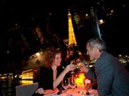 Romantic dinner Cruise in Paris for NYE 2017