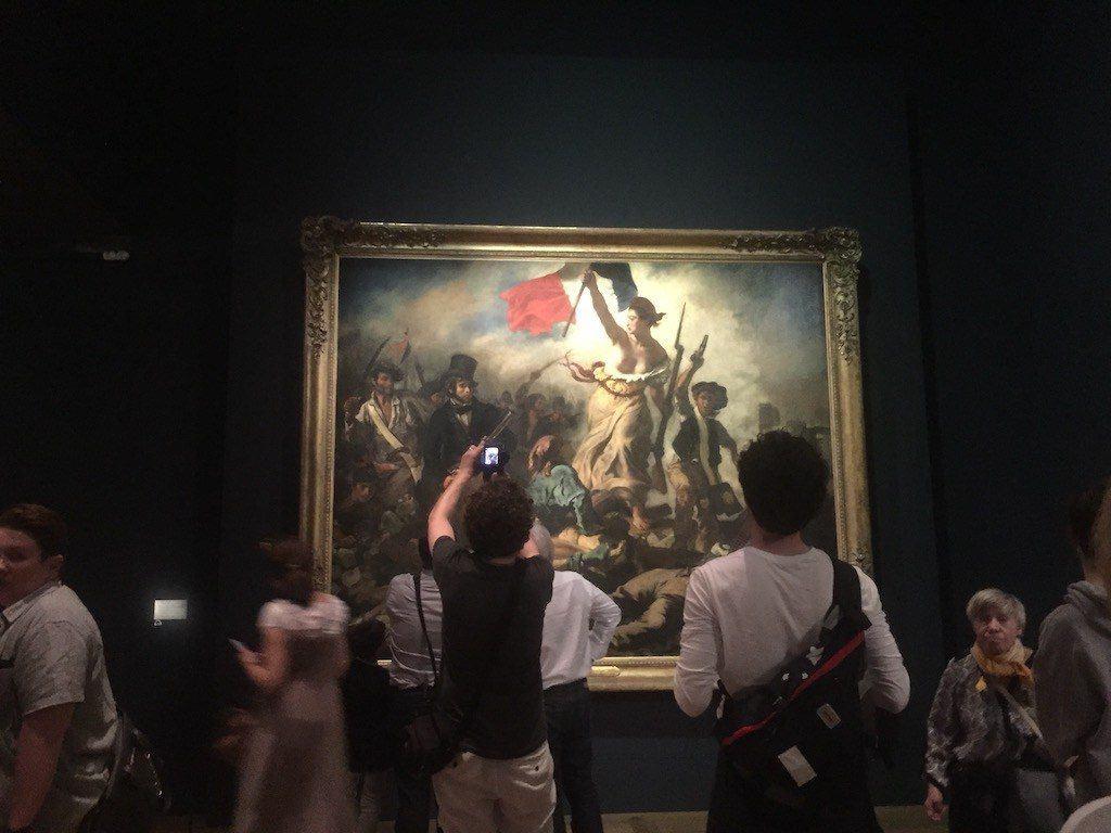 La Libertad Guiando al Pueblo en el Louvre