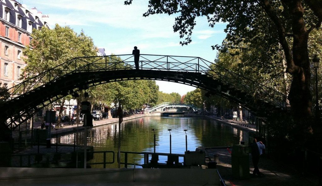 Paris Kanal Bootsfahrt